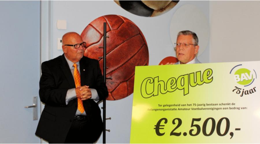 Zwaluwen Jeugd Actie ontvangt € 2.500,- van jarige BAV